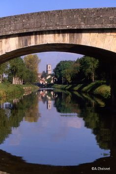 Le canal arrivant à Clamecy!  JEU PINTEREST canal du nivernais