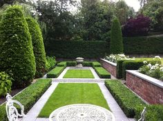 Formality at The Cowshed – Home & garden store and garden design studio based in… – Garden Room Landscape Design, Garden Design, Boxwood Garden, Home And Garden Store, Italian Garden, Formal Gardens, Garden Spaces, Back Gardens, Lawn And Garden