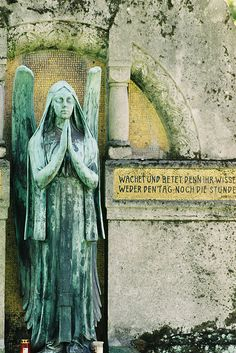 praying angel, By Juliett-Foxtrott, this photo was taken on September 29, 2008.