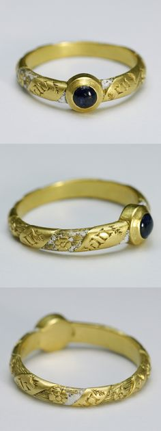 Early 15th century sapphire and enamel ring, engraved with en boen an (en bon an), new year's gift, France, sapphire, high carat gold, white enamel, 0.7cm. The diffusion of character was low and the written language and the spoken language don't agree at that time. As a result, it was frequently to make such spelling mistake.