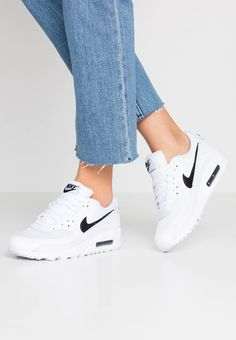 Nike Sportswear AIR MAX 720 - Trainers - white/fire pink/metallic silver/platinum tint for Free delivery for orders over Air Max 90, Nike Sportswear, Black Sneakers, Air Max Sneakers, Black And White Nikes, Nike Air Max For Women, Pumps, Clothes For Women, Fashion 2020