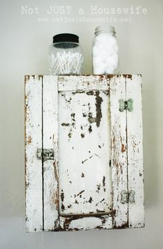 I could do this to the old army foot locker I have to make a really neat kitchen cabinet.