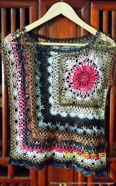 New crochet granny square vest pattern link Ideas Poncho Crochet, Crochet Bolero, Pull Crochet, Mode Crochet, Crochet Motifs, Freeform Crochet, Crochet Granny, Irish Crochet, Easy Crochet