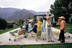 Photo Desert house party - Slim Aarons