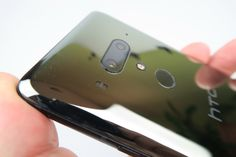 HTC U12+: Cameră duală cu Bokeh capabil, stabilizare OK şi culori ca prinse cu ochiul uman