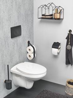 Tiger Urban Badaccessoires-Set The post Tiger Urban Badaccessoires-Set Small Toilet, New Toilet, Modern Toilet, Modern Bathroom, Toilet Brushes And Holders, Toilet Roll Holder, Toilet Room, Downstairs Toilet, Wall Mounted Toilet
