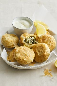 How do you make gozleme even better? Cook it in a Kmart pie maker! Mini Pie Recipes, Puff Pastry Recipes, Cooking Recipes, English Sausage Rolls Recipe, Breville Pie Maker, Mini Pies, Finger Food Appetizers, Savory Breakfast, Savoury Dishes