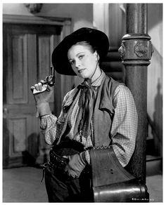 Loretta Young Along Came Jones Gun   Loretta Young dans Le Grand Bill / Along Came Jones (1945):