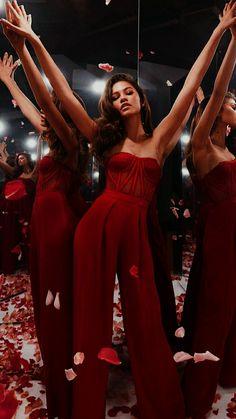 Mode Zendaya, Zendaya Outfits, Zendaya Style, Mode Outfits, Zendaya Coleman, Fashion Poses, Red Carpet Looks, Red Carpet Dresses, Celebs
