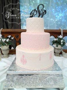 pink and ivory chandelier inspired wedding cake #pinkwedding #chandelierdecoration