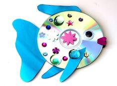 "CD fish ""The Rainbow Fish""- CD-Fisch ""Der Regenbogenfisch"" - Cd Crafts, Preschool Crafts, Easy Crafts, Crafts For Kids, The Rainbow Fish, Mosaic Flower Pots, Cd Art, Heart Art, Art Plastique"