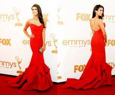 """Nina Dobrev """"robe magnifique"""", je sais qu'elle n'est pas vraiment """"orange"""" mais je ne pouvais pas passer à côté!!!"""