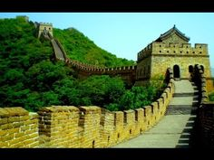 Traveler Destinos takes you to The Chinese Great Wall, The world's longest human-made structure, stretching over approximately km miles), they say you can see it from space. Beautiful Places To Visit, Wonderful Places, Places To See, China Wall, Great Wall Of China, Visit Amsterdam, In Patagonia, Wall Wallpaper, Monument Valley