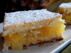Pineapple Pie Squares via (Comfy Cuisine) I will definitely make this.