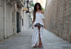 She has such a great bohemian vibe to all of her looks. Madamederosa.com