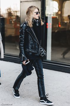 NYFW-New_York_Fashion_Week-Fall_Winter-17-Street_Style-Jessica_Minkoff-Jeans-Black-Leather_Jacket-Vans-