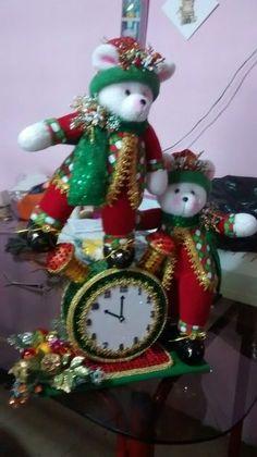 Milagro Bustillo's media content and analytics Christmas Stocking Kits, Felt Christmas Stockings, Christmas Ornament Sets, Felt Ornaments, Christmas Wreaths, Christmas Wall Hangings, Christmas Cupcakes, Xmas Decorations, Whimsical