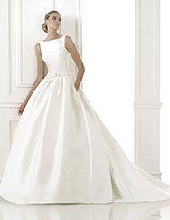 Pronovias > Pronovias te presenta el vestido de novia Barcaza. Costura 2015.