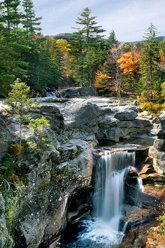 Grafton Notch State Park in Maine located along the Appalachian Trail features pristine water falls & springs, hiking, picnic tables