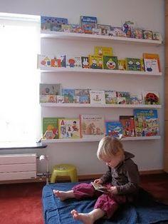 Frontal bookshelf, la libreria a misura di bambino