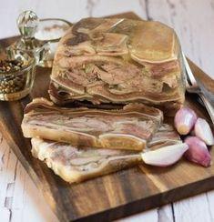 Vidéki konyha egyszerűen, de igényesen. A csalántól a szarvasgombáig minden. Pork Recipes, Cooking Recipes, Cold Cuts, Hungarian Recipes, Viera, Bacon, Stuffed Mushrooms, Food And Drink, Turkey