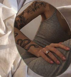 Rebellen Tattoo, Tattoo Oma, Tigh Tattoo, Smal Tattoo, Piercing Tattoo, Piercings, Dainty Tattoos, Dope Tattoos, Pretty Tattoos