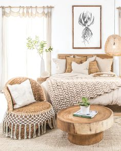 Warm Beige Tones and Textures in this stunning costal bedroom. 🙌🏼✔️At Uniqwa Furniture Collections we love layering our spaces with natural woodern pieces, botanical fibre cushions, jute rugs, and lus Costal Bedroom, Romantic Bedroom Decor, Cozy Bedroom, Bedroom Rugs, Modern Bedroom, Layered Rugs Bedroom, Master Bedroom, Design Salon, Home Design