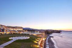 Το παραθαλάσσιο 5 αστέρων ξενοδοχείο 4.476 m2, απλώνεται σε 18 στρέμματα στη θέση Τραγάκι στη Ζάκυνθο. Βρίσκεται σε ένα οικόπεδο με ακανόνιστο σχήμα και έντονες