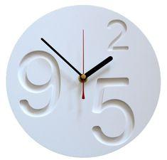 'nine 2 five.0.clock' by jollysmith Minimal clock design