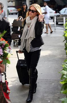 love this airport look.