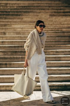 Find and save ideas about street style on Women Outfits. Printemps Street Style, Spring Street Style, Street Chic, Paris Street, Street Mall, Street Wear, Fashion Week Paris, Spring Fashion, London Fashion