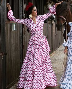 Flamenco Party, Flamenco Costume, Flamenco Dancers, Spanish Dancer, Mardi Gras Costumes, Spanish Fashion, Maria Jose, Mom Dress, African Print Fashion