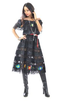 Black Mexican Embroidered Dress – saldanavintage