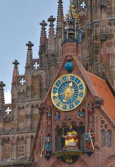 Maennleinlaufen. Famous clock on the Frauenkirche in Nuernberg