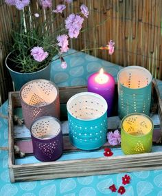 recycling-creative-tin-tin-lanterns-different-color-cassette-wood-vaso-fio . - recycling-creative-tin-tin-lanterns-different-color-safe-wooden-vase-flower-season - Tin Can Crafts, Wood Crafts, Diy And Crafts, Romantic Candles, Diy Candles, Diys, Purple Candles, Deco Originale, Diy Décoration