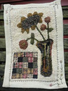 an Ali Strebel design Book Making, Rug Making, Latch Hook Rugs, Rug Hooking Patterns, Hand Hooked Rugs, Braided Rugs, Penny Rugs, Wool Applique, Floral Rug