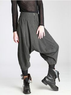 Admittedly, the boots here aren't helping. Baggy Trousers, Harem Pants, Victorian Fashion, Vintage Fashion, Vintage Style, Women's Fashion, Low Crotch Pants, Post Apocalyptic Fashion, Baggy Clothes