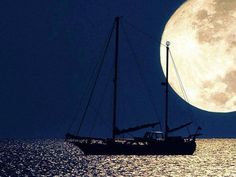 Καληνύχτα από τη Μύκονο, και Καλό Σαββατοκύριακο σε όλους και όλες , όνειρα γλυκά και καλό ξημέρωμα !!! Good night, sweet dreams & have a Nice Weekend from #Bluecollection #Mykonos #Greece Bonne nuit, Buona notte, Gute Nacht, İyi geceler, Dobru noc, לילה טוב, Спокойной ночи , ليلة سعيدة !!! Love, Laugh and always dream … http://www.bluecollection.gr/