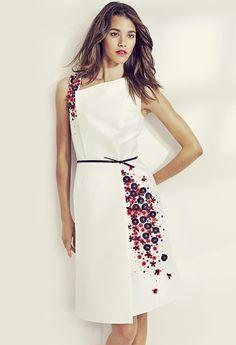Vestido corto blanco con detalles en color