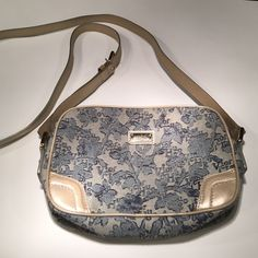 Small Bag by a well known Brazilian Brand! 👛🇧🇷 Cute small shoulder bag from a well known (and expensive) Brazilian brand called Victor Hugo! 💕 Victor Hugo Bags Shoulder Bags