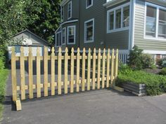 Sturdy gate at the end of your driveway keeps your kids in, other kids out. If that's what you want. From World of Julie Diy Driveway, Diy Fence, Fence Gate, Free Standing Fence, Garden Trellis, Garden Gates, Pallet Gate, Privacy Fences, Fencing