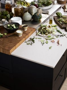 Marbodal green kitchen nudging in collaboration with Trendenser Green Kitchen, Plant Based Diet, Raw Food Recipes, Shake, Clean Eating, Table Settings, Interior Design, Classic, Summerhouse Ideas