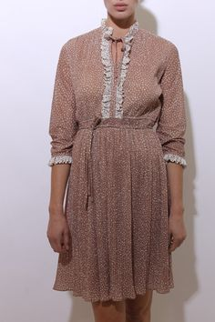 This vintage 1970s long sleeved dress is so sweet!  #1970s #vintagedress #btmvintage Shop now at: www.btmvintage.com