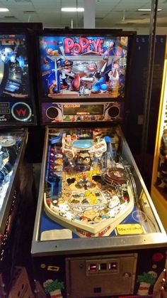 Pinball Hall of Fame, Las Vegas Arcade Games, Pinball Games, Hollywood Forever Cemetery, Pinball Wizard, Retro Images, Pool Table, Game Room, Las Vegas, Rec Rooms