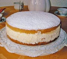 The world's best cheese cream cake (recipe with picture) Chefkoch.de The world's best cheese cream cake (recipe with picture) Chefkoch. Easy Cookie Recipes, Cupcake Recipes, Baking Recipes, Dessert Recipes, Bread Recipes, Baking Cupcakes, Food Cakes, Torte Au Chocolat, Chef Cake
