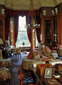 I wish I knew a little more, or basically anything, about this room. But I'll bet you it's in England.