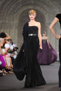 Stephane Rolland Autumn/Winter 2011 Couture Collection | British Vogue