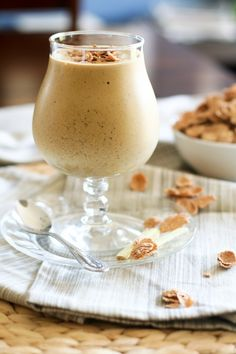 GINGERBREAD SMOOTHIE         ½ cup cooked navy beans      ½ frozen banana      35g fresh ginger, chopped (no need to peel, just remove dry parts)      ¼ cup 0% fat Greek yogurt   ¾ cup unsweetened soy milk      ½ scoop (2 tbsp) vanilla flavored whey protein powder      1 tbsp flaxseed meal      ½ tsp ground cinnamon      1 tbsp black strap molasses      2 tbsp flaked cereal (I used Heritage Flakes by Nature's Path)