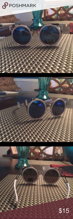 White circle with silver cut out frame mirrored! White circle with silver cutout frame and blue mirrored lenses! Adorable and super trendy☀️ Eyedentification Accessories Sunglasses