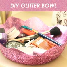 This Magical Glitter Bowl DIY Is Easier Than You'd Think :: All that glitters is gorgeous Burlap Crafts, Diy Home Crafts, Crafts To Do, Easy Crafts, Burlap Projects, Creative Crafts, Fun Projects, Creative Ideas, Diy For Teens